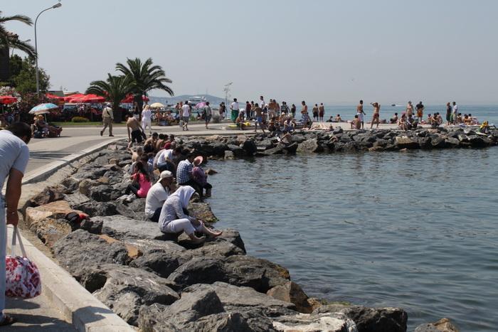 городской пляж острова Бюйюкада