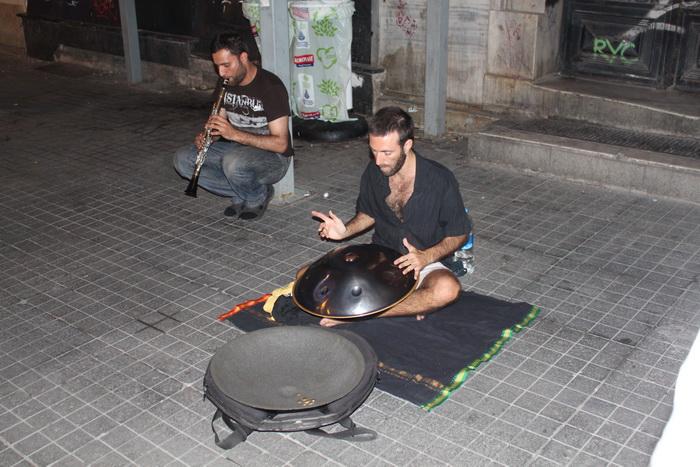 уличные музыканты на улице Истикляль