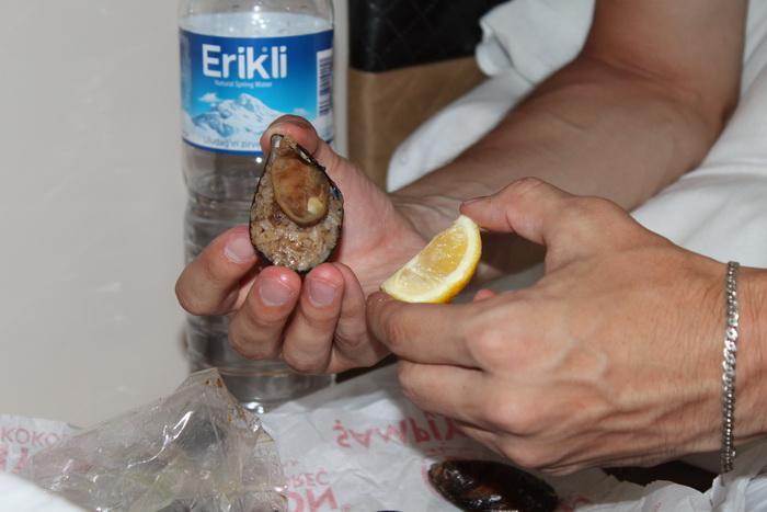 мидье - мидия, рис и лимонный сок