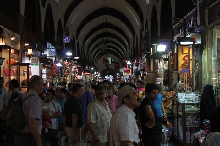 Стамбул. В рядах Египетского базара.