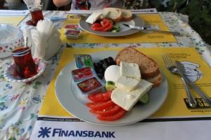 Стандартный завтрак для отельчиков Антальи.