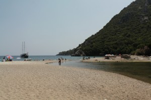 На подходе к пляжу Олимпоса.