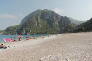 Вид на Олимпос с пляжа Чирали.