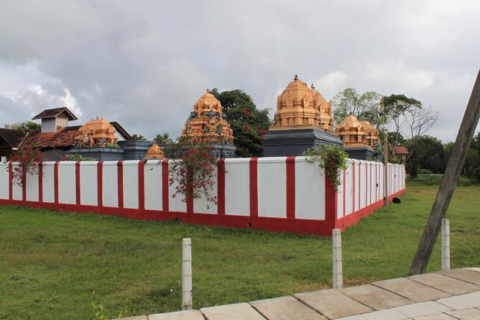 Анурадхапура. Индуистский храм.