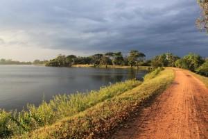 Анурадхапура. Озеро Тисса Уэва после дождя.