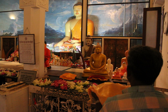 Анурадхапура. Будда под деревом Шри Маха Бодхи.