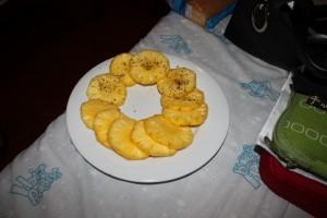 Анурадхапура. Ананас с солью и перцем.