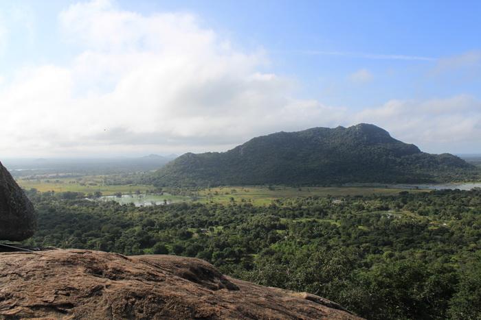 Михинтале.  Вид открывающийся с горы медитаций.