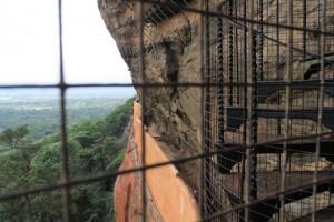 Шри-Ланка. Сигирия. Винтовая лестница к фрескам.
