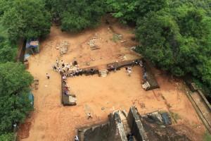 Шри-Ланка. Сигирия. Вид на площадку перед лапами льва.
