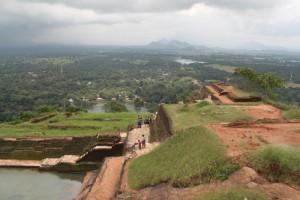 Шри-Ланка. Сигирия. Остатки дворца.