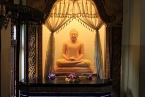 Канди. Будда.