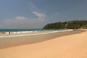 Мирисса. Пляж. Лазурное море.
