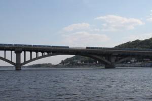Киев. Прогулка по Днепру. Мост. Метро.