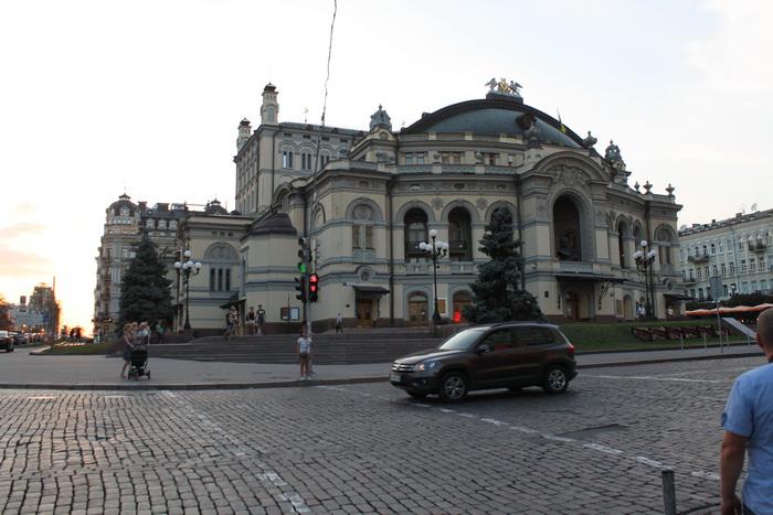 Киев. Оперный театр.