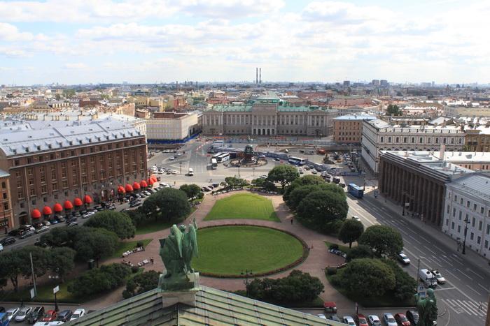 Санкт-Петербург. Исаакиевский собор. Панорама Исаакиевской площади.