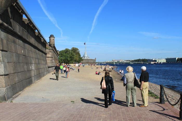 Санкт-Петербург. Пляжи заячьего острова.