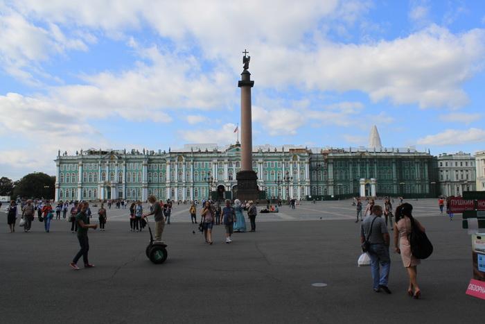 Санкт-Петербург. Дворцовая площадь. Александровская колонна.