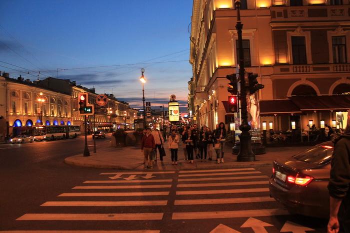 Санкт-Петербург. Невский проспект вечером.