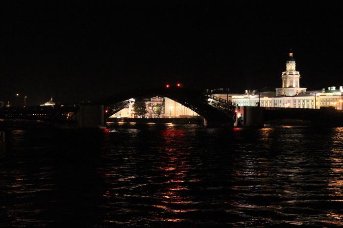 Санкт-Петербург. Развод Дворцового моста.