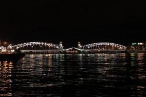 Санкт-Петербург. Развод Большеохтинского моста.