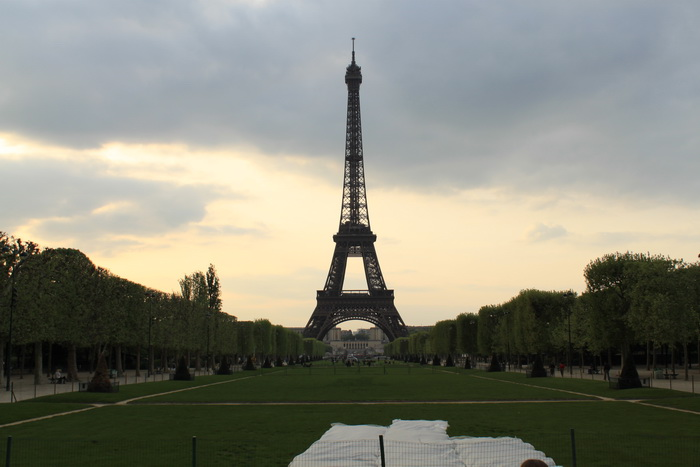 Париж. Эйфелева башня. Марсово поле.