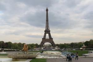 Париж. Площадь Трокадеро. Эйфелева башня.
