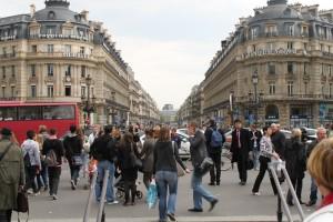 Париж. Бульвар Капуцинов. Суматоха улиц.
