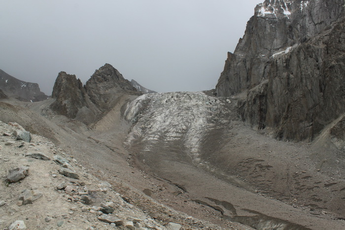 Киргизия. Хижина Рацека. Ак-Сайский ледник. Август.