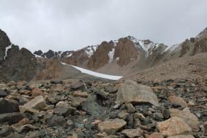 Киргизия. По дороге к пику Адыгене.