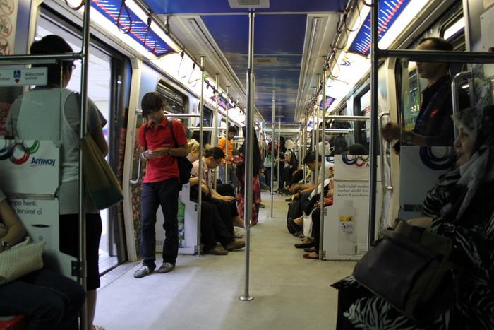 Малайзия. Куала-Лумпур. Метро LRT.