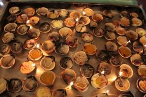 Куала-Лумпур. Храм Шри Махамариамман. Свечи.