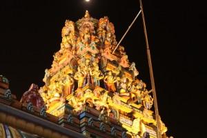 Куала-Лумпур. Башни храма Шри Махамариамман.