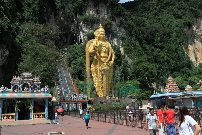 Куала-Лумпур. Пещеры Бату. Бог Муруган.