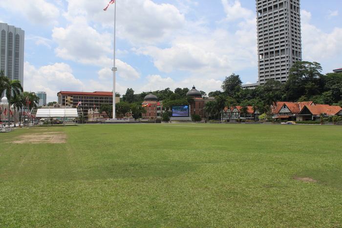 Куала-Лумпур. Стадион на площади Независимости.