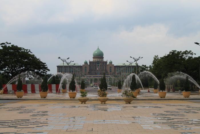 Путраджая. Дворец премьер-министра.