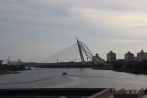 Путраджая. Мост через искусственный водоем.