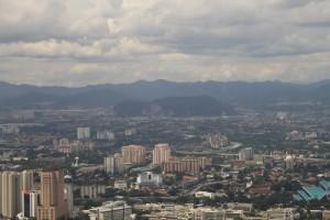 Куала-Лумпур. Вид с телевышки Менара. Пещеры Бату.