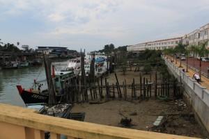Малайзия. Рыбацкий городок Мерсинг по дороге на остров Тиоман.