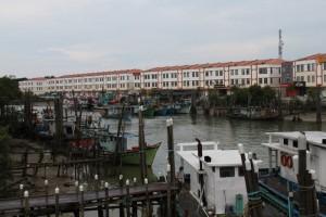 Мерсинг. Рыбацкие шхуны Южно-Китайского моря.