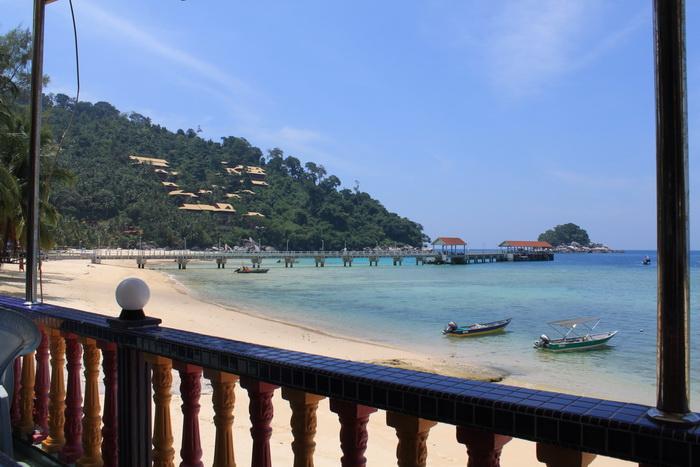 Малайзия. Остров Тиоман. Кафе на пляже.