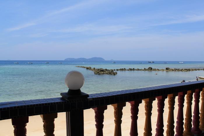 Малайзия. Остров Тиоман. Вид из кафе.
