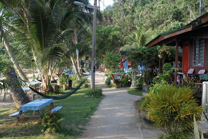 Малайзия. Остров Тиоман. Улочки острова.