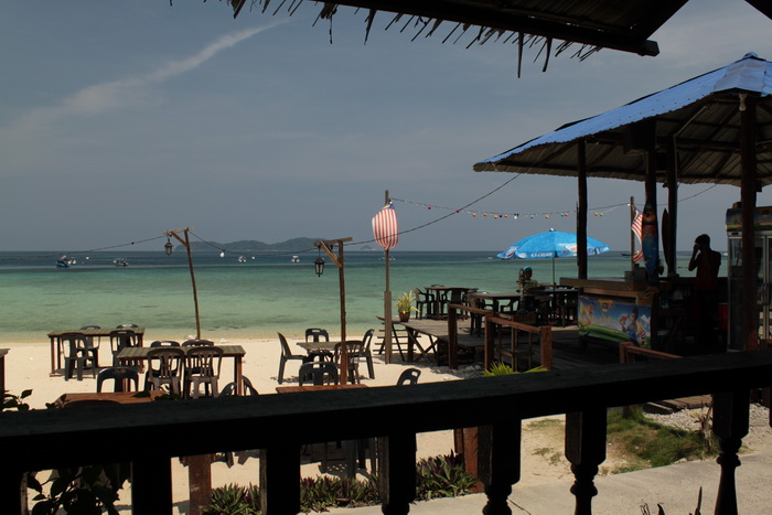 Малайзия. Остров Тиоман. Берег.