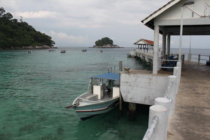 Малайзия. Остров Тиоман. В ожидании лодки и гида.