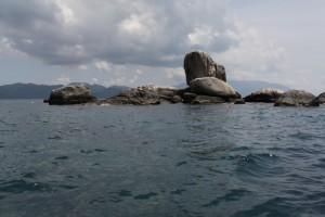 Малайзия. Тиоман. Malang Rock.