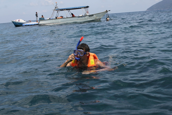 Малайзия. Остров Тиоман. Снорклинг на Teluk Genting.