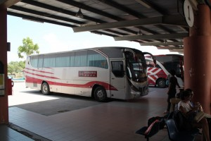 Малайзия. Автобус Мерсинг-Куала-Лумпур.