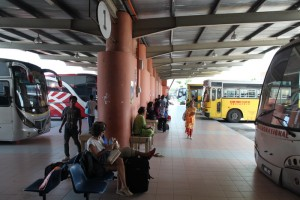 Малайзия. Автостанция в Мерсинге.