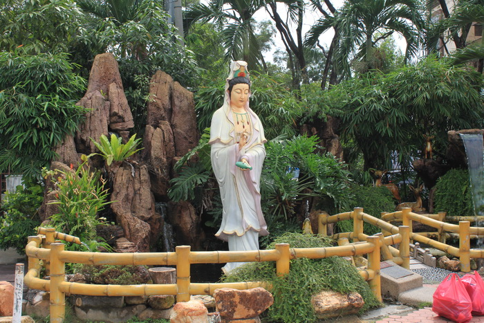 Куала-Лумпур. Богиня Tian Hou у храма Thean Hou.